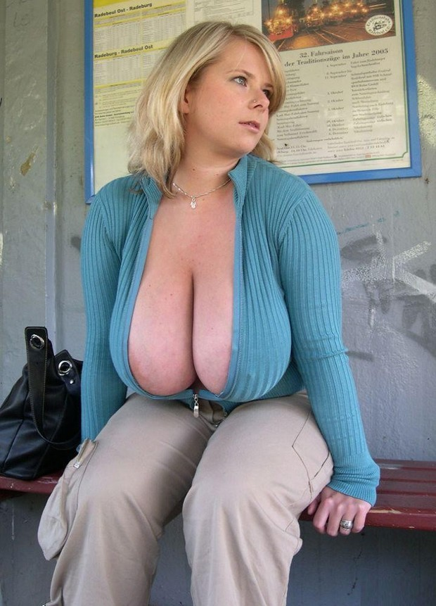 Amateur milf big boobs cleavage