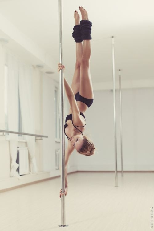 POLE GURLZ / Legs straight up; SFW