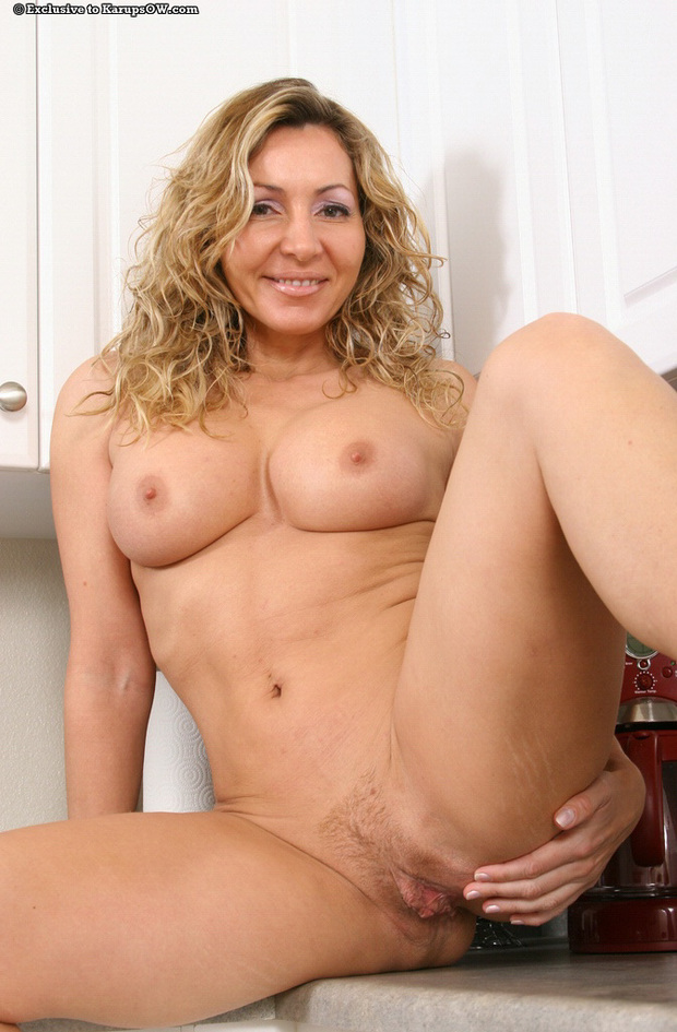 Brunette mature blonde milf