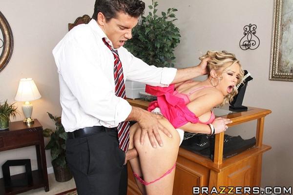 секс фото с продавцом
