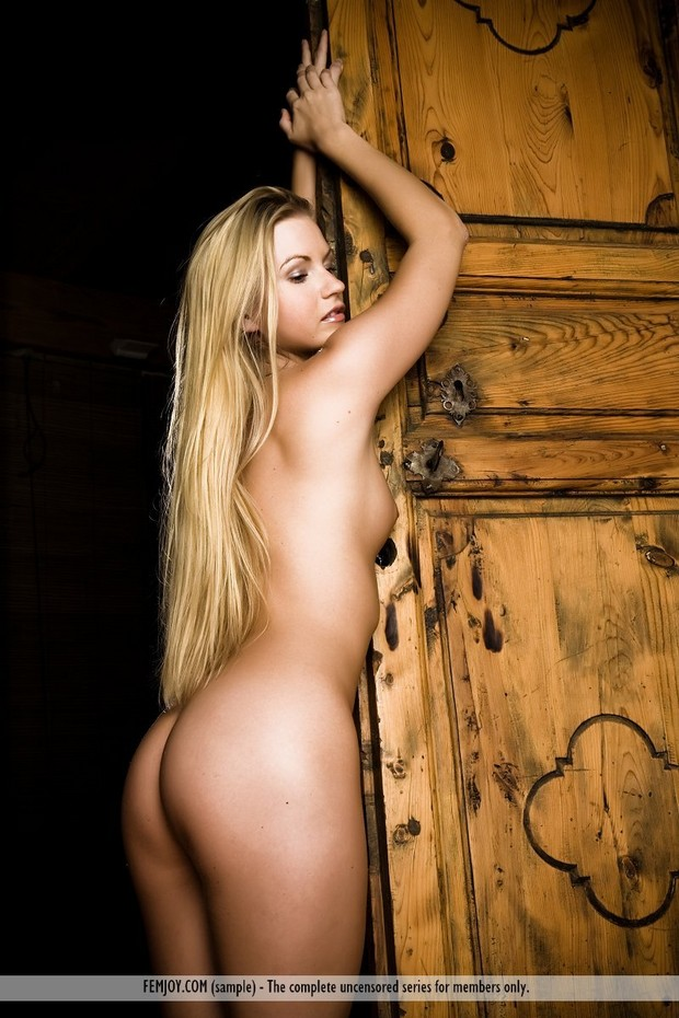 Sexy blonde shows off her backside; Blonde Hot