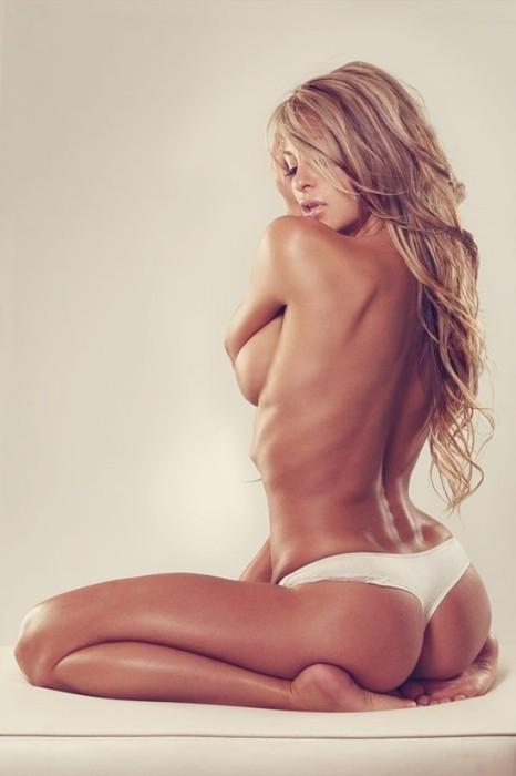 Hot Girlz 4 Ever!!; Ass Babe Blonde