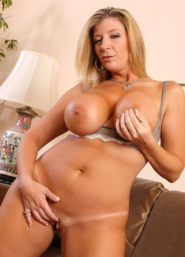 Blonde big tit milf galleries, freelocalwomenporn