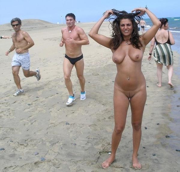 Beach hunter voyeur