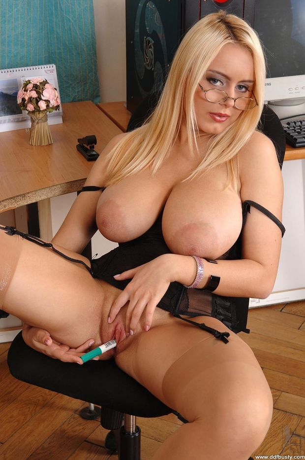 Big boobed matures in stockings tubes