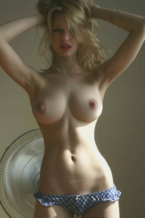 Big tit naked blonde