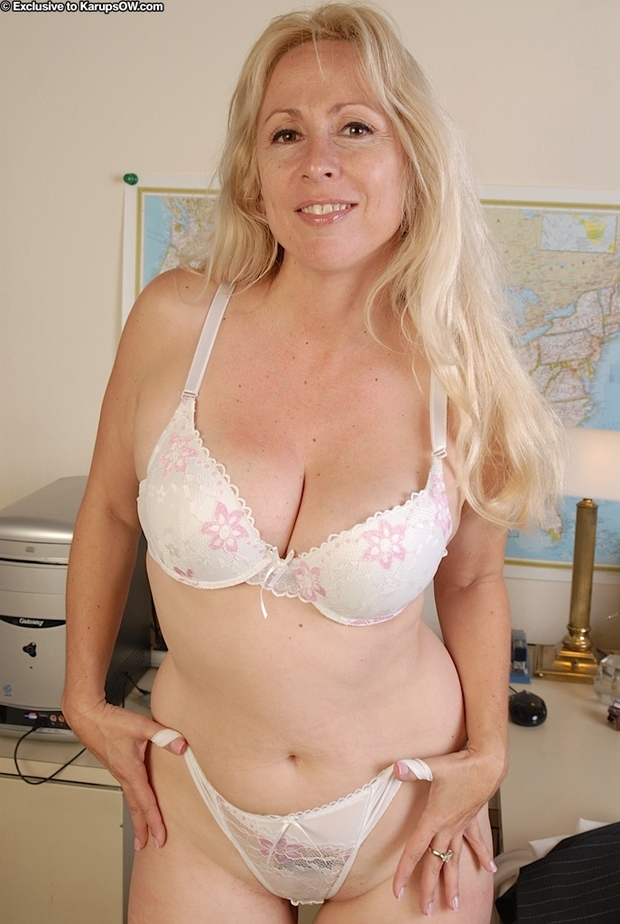 And women blonde mature panties bra