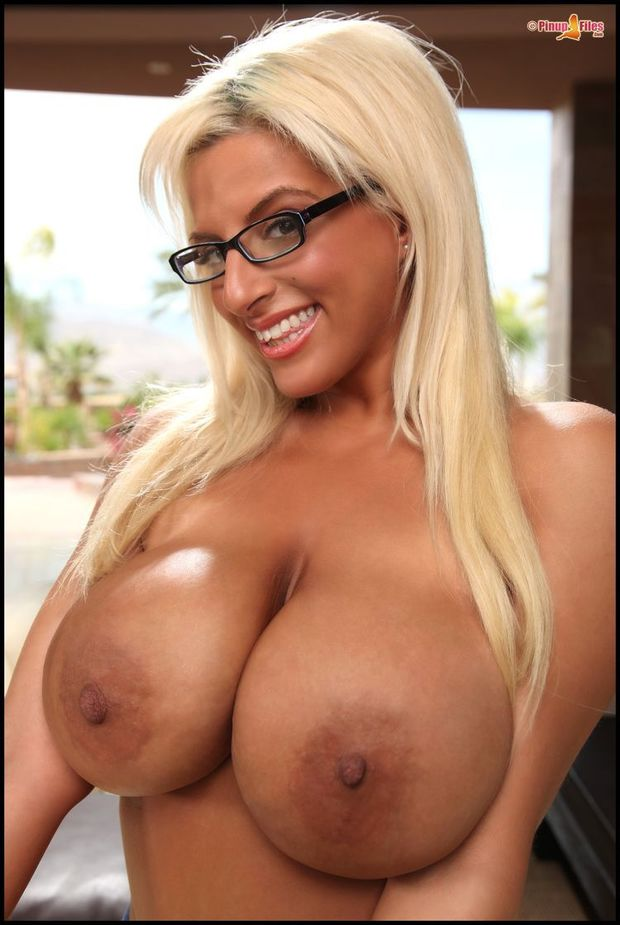 Big hd blonde tits