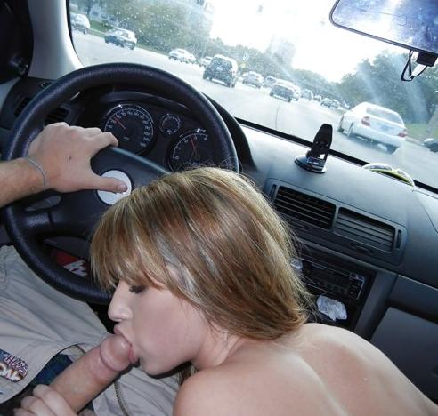 девушка сосет хуй в машине фото