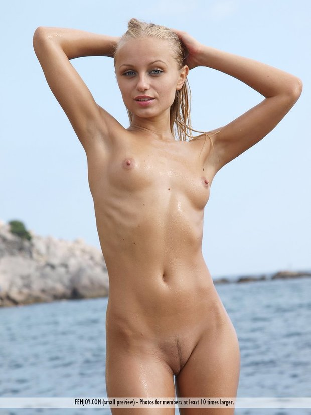 Hella; Blonde Hot Teen