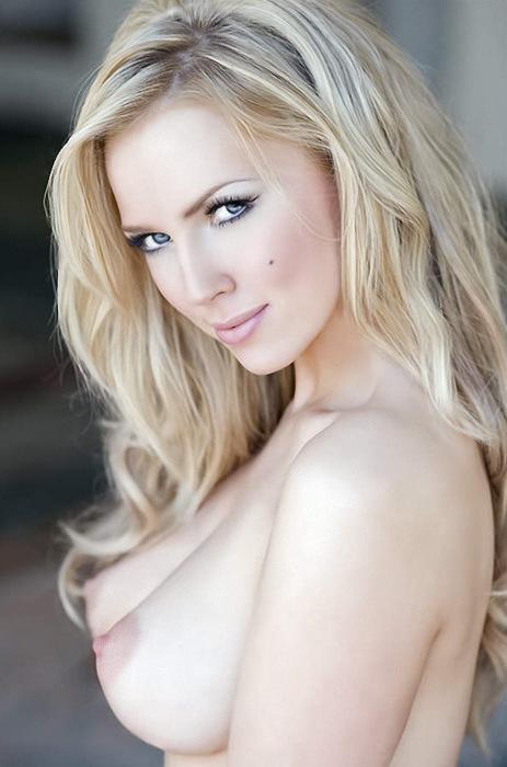 elegant retro nudes