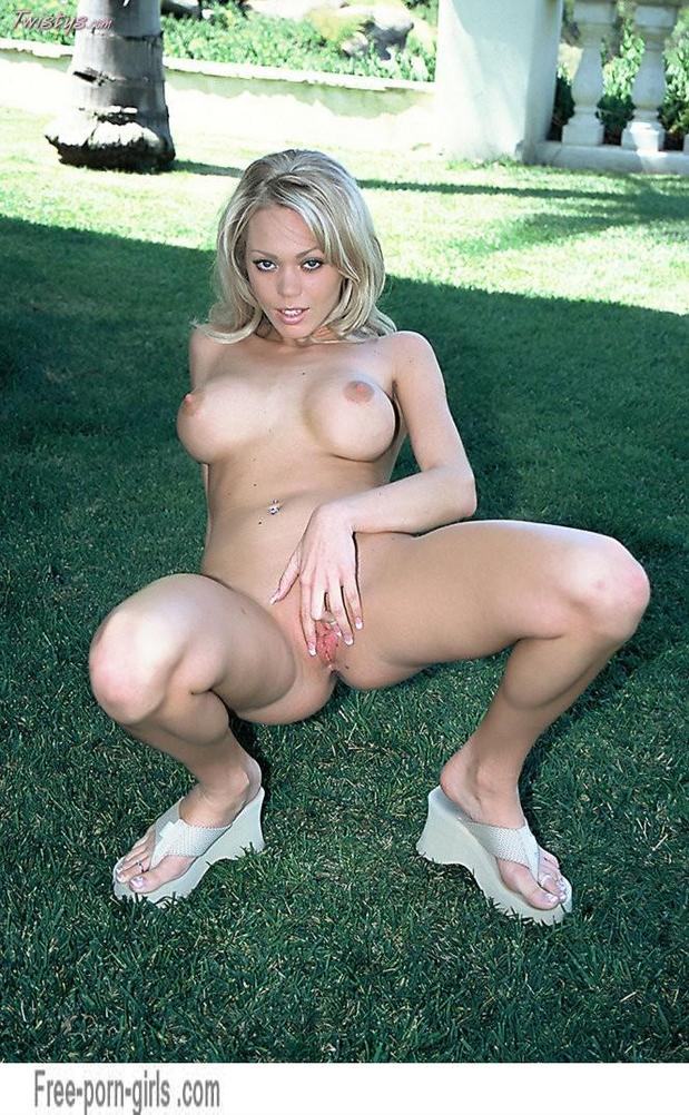 Sexy Lonnie Waters outdoors showing that shaved pussy; Blonde Hot Pussy