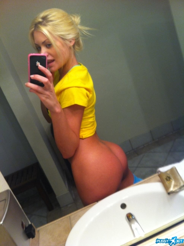 hot blonde ass selfshot; Amateur Babe Female Friendly Teen Hot