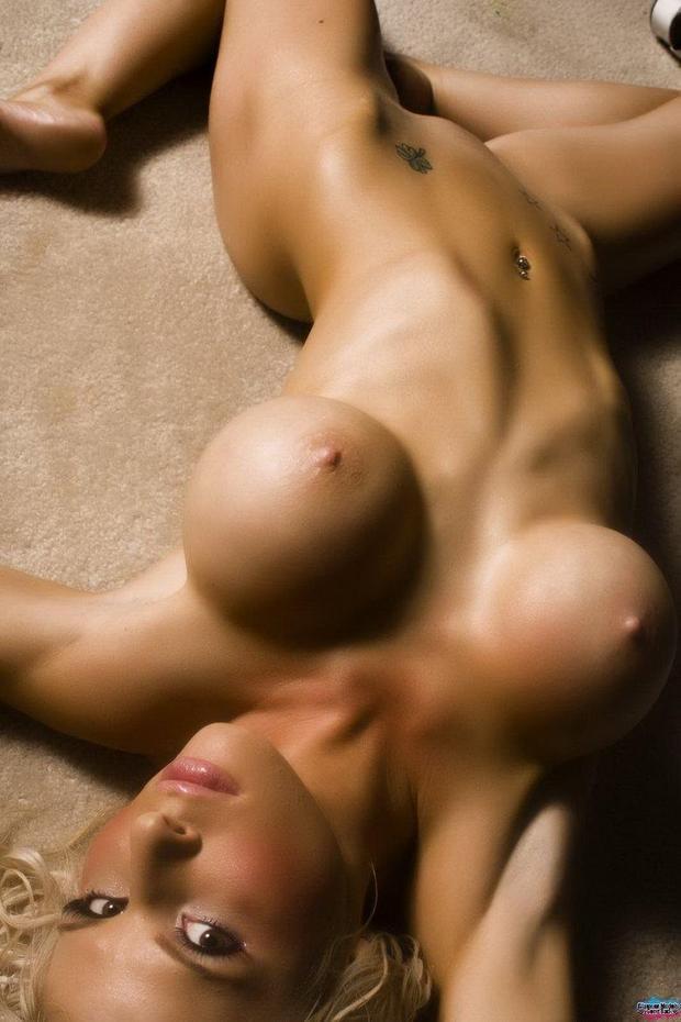 фото большая эро грудь