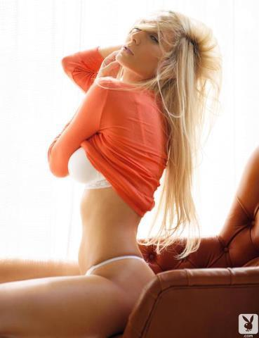 hugecocks blonde escort melbourne