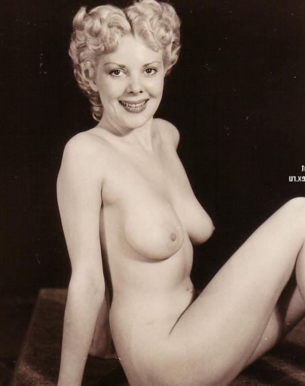 Big Tits Blonde Granny Vintage