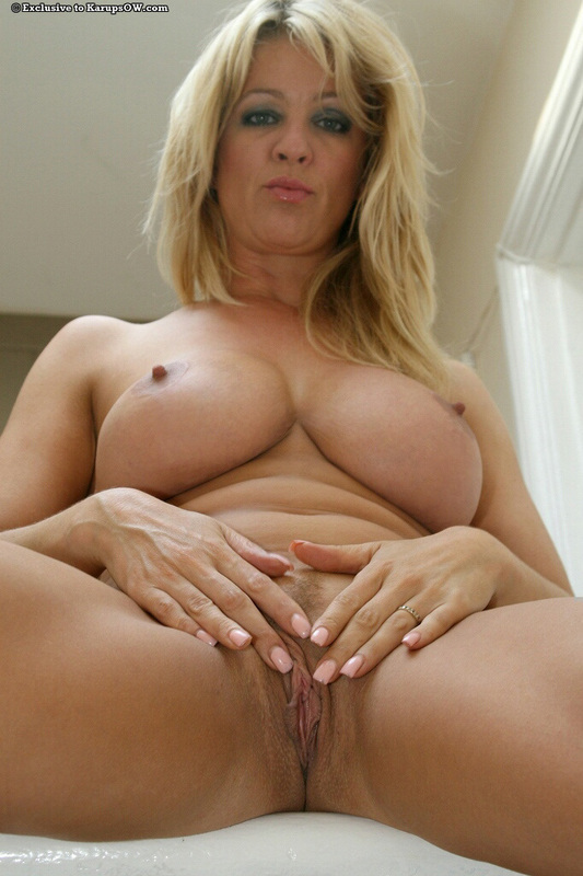 Big mature blonde tits granny