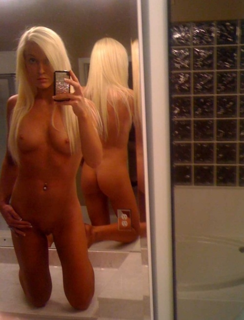 Blonde Girl Self Shot Nudes