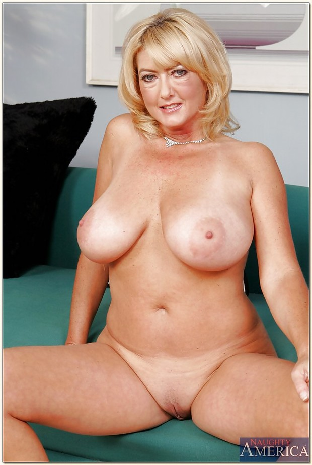 Mature big tit tube