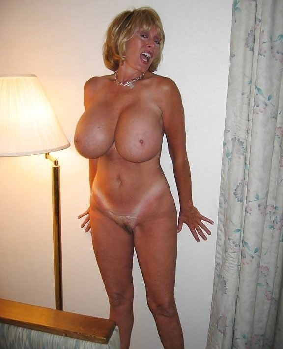 Mature huge tits strapon