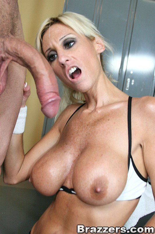 Hot milf blowjob fat cock