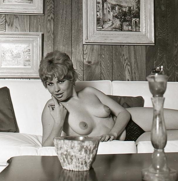 ...; Blonde Vintage