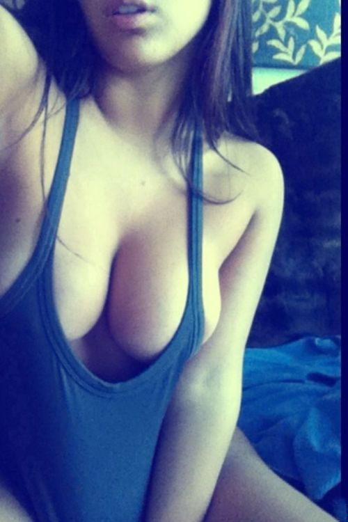 ...; Amateur Big Tits Brunette Non Nude Selfshot