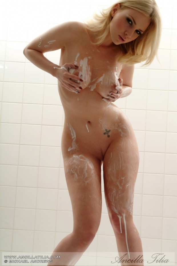 Unbelievable Blond Babe in a Shower - YouPorncom