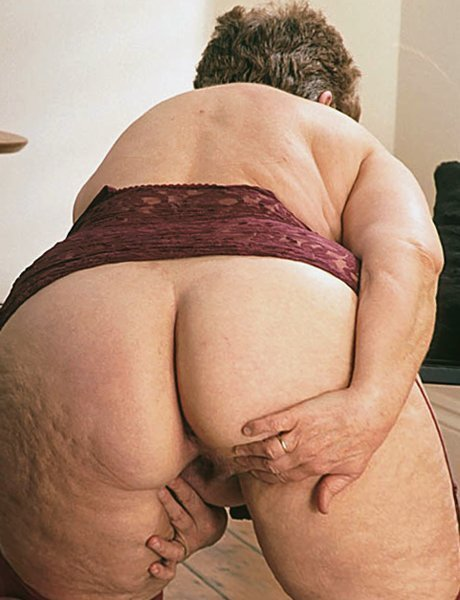 Living mature ass and pussy pictures