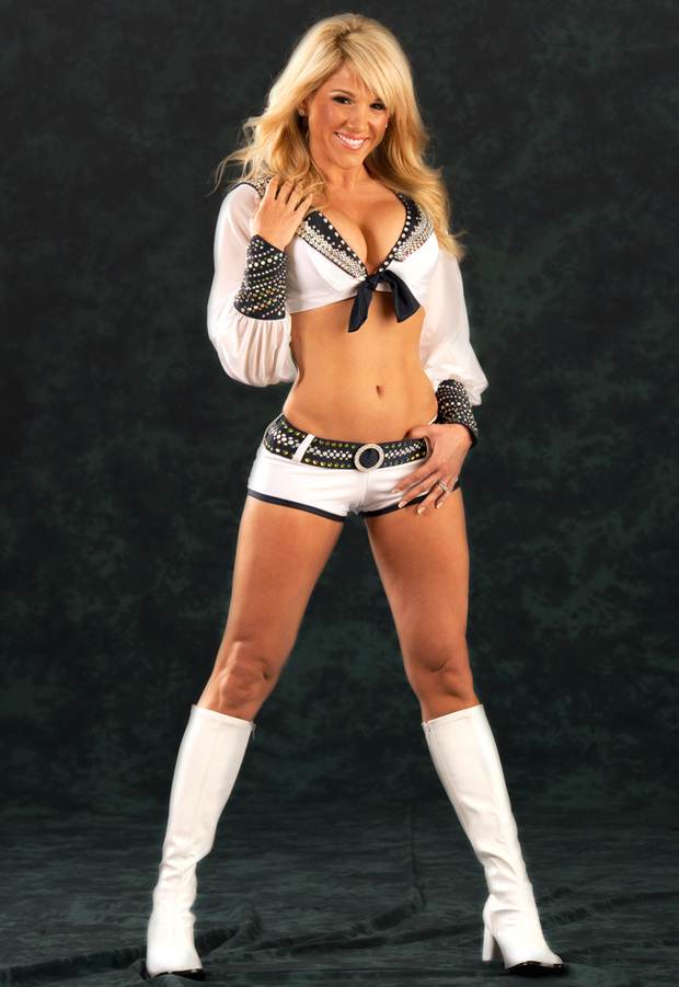 Nude nfl cheerleader tits