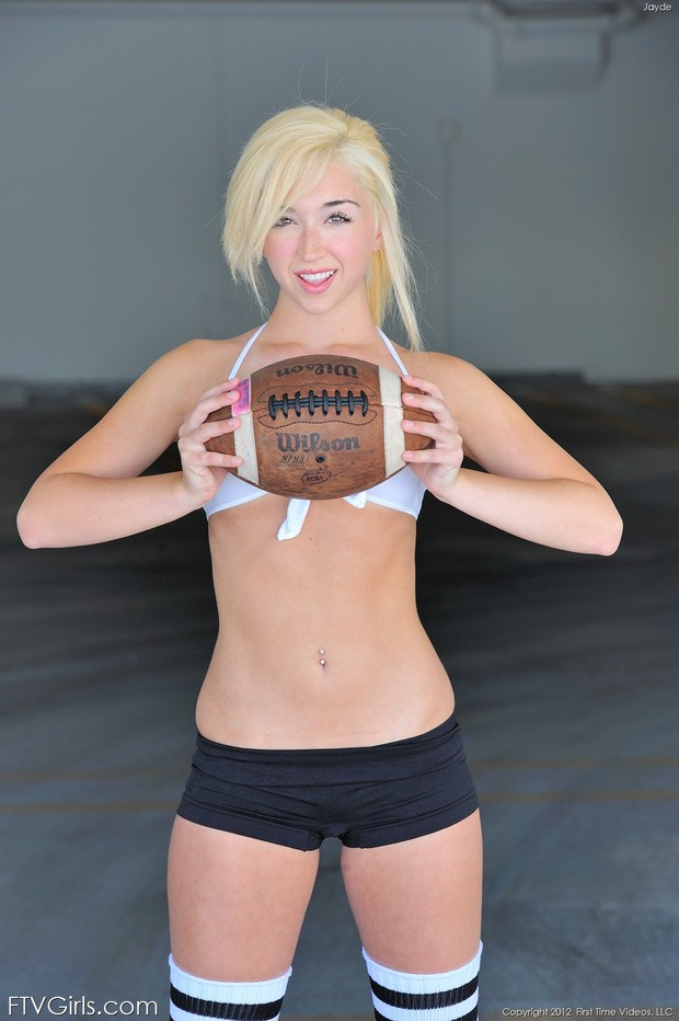 ...; Athletic Babe Blonde Hot Non Nude Teen