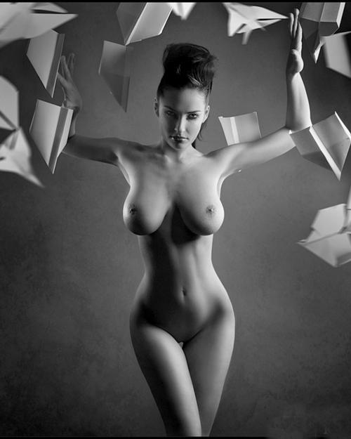 красивые голые девушки фото черно белые