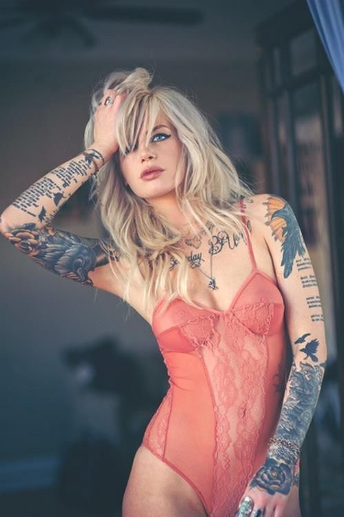 Tattoos blonde thumb for Hot tattooed babes