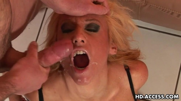 Blonde Regan Anthony Gives Blowjob And Takes Massive Cumshot; Big Tits Blonde Blowjob Cumshots Pornstar