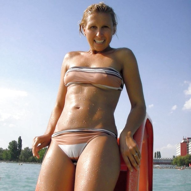 Non nude panty camel toe